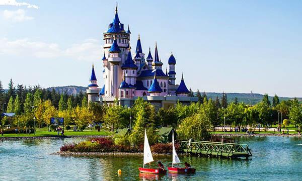 قلعة الحكايات